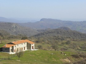 Tuscan farm [610]