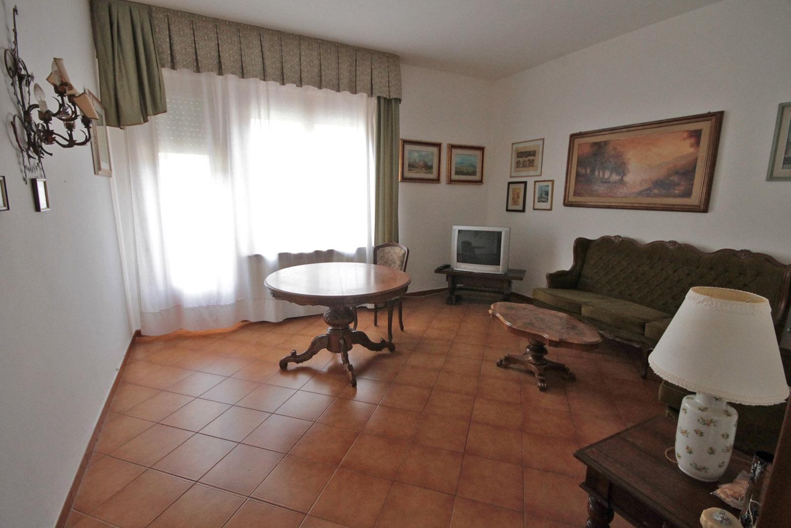 Castel del piano appartamento in vendita immobiliare 3 emme for 3 camere da letto 3 piani del bagno
