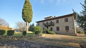 Toscana, casa e casali in vendita -Rif.Az218-