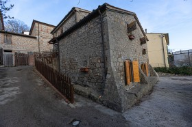 Santa Fiora, case in vendita [754]