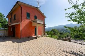 Arcidosso, villa con giardino in vendita [69]